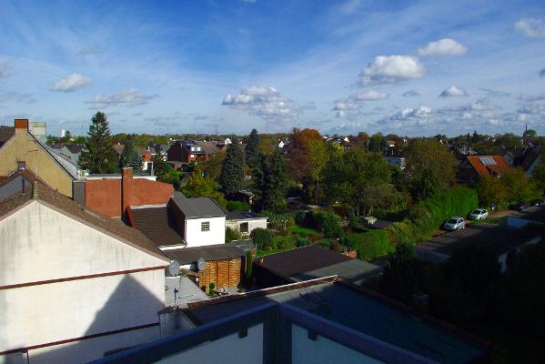 Vermietet – Helle DG-Wohnung mit Balkon in Moers Scherpenberg!